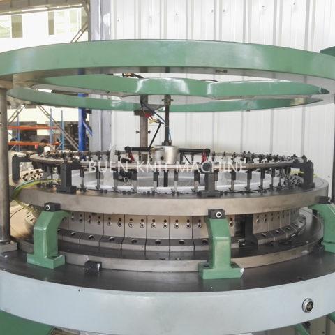 Máquinas circulares de doble terry con lazos de doble cara