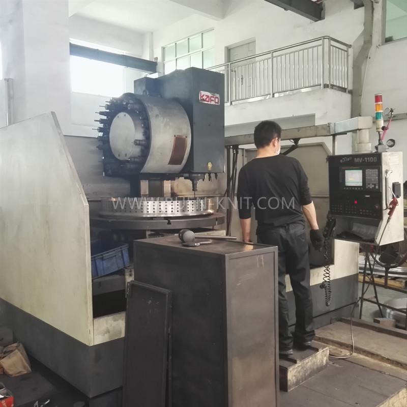 taller-de-máquinas-circulares-de-tejido-de-punto
